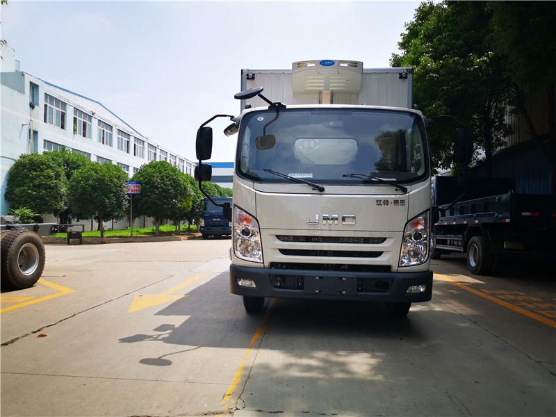 江铃凯运国六4米2冷藏车