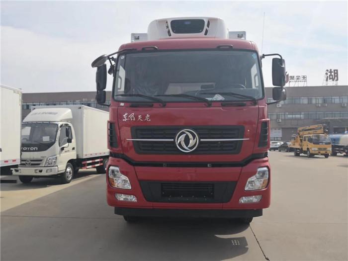 东风天龙国五9米6冷藏车