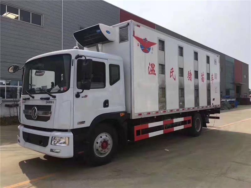 东风多利卡6米8猪苗运输